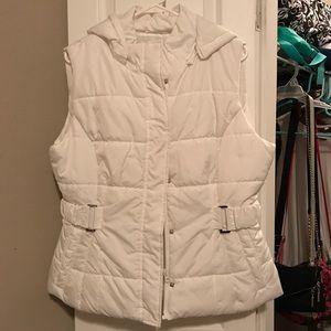 NWOT New York & Co puffy vest